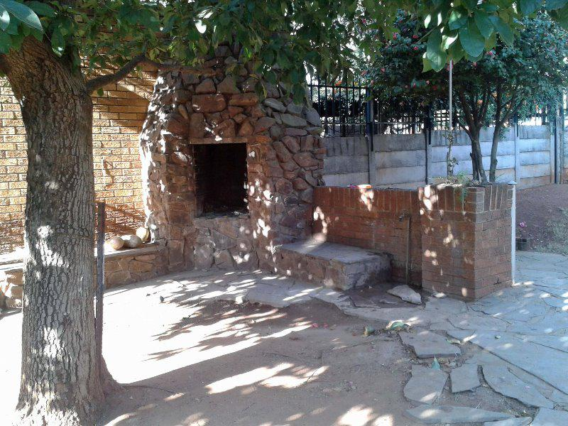 Townhouse For Sale in Meyerspark, Pretoria