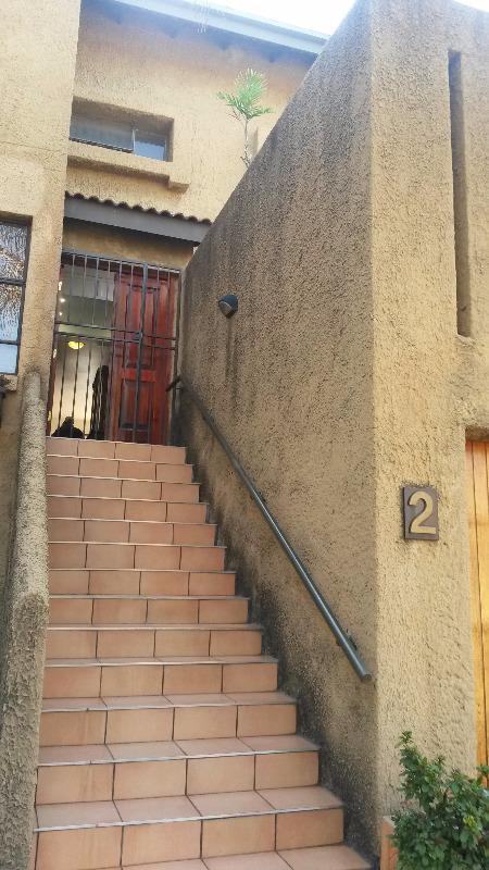 Townhouse For Sale in Garsfontein, Pretoria