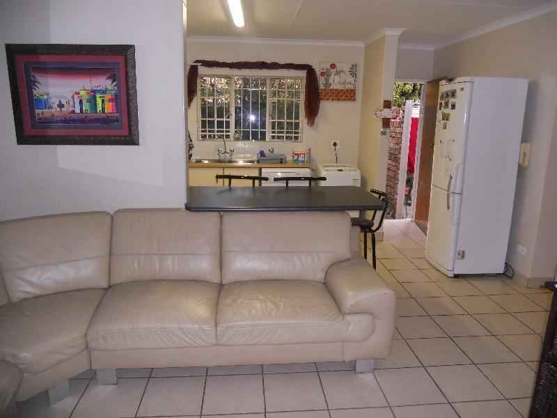 Simplex For Sale in Garsfontein, Pretoria