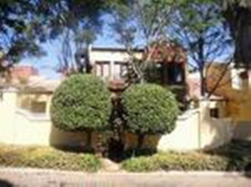Duplex For Sale in Olympus, Pretoria