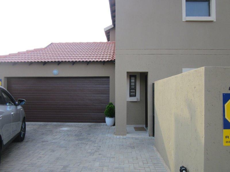 Complex For Sale in Equestria, Pretoria