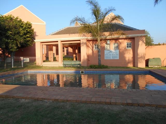Apartment / Flat For Sale in Erasmuskloof, Pretoria