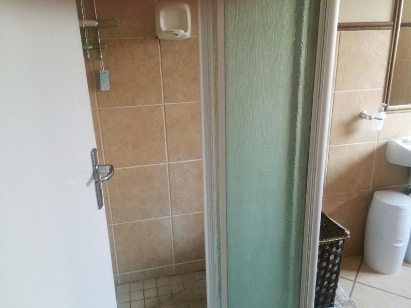 Apartment / Flat For Sale in Equestria, Pretoria