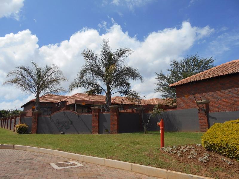Simplex For Sale in Mooikloof, Pretoria