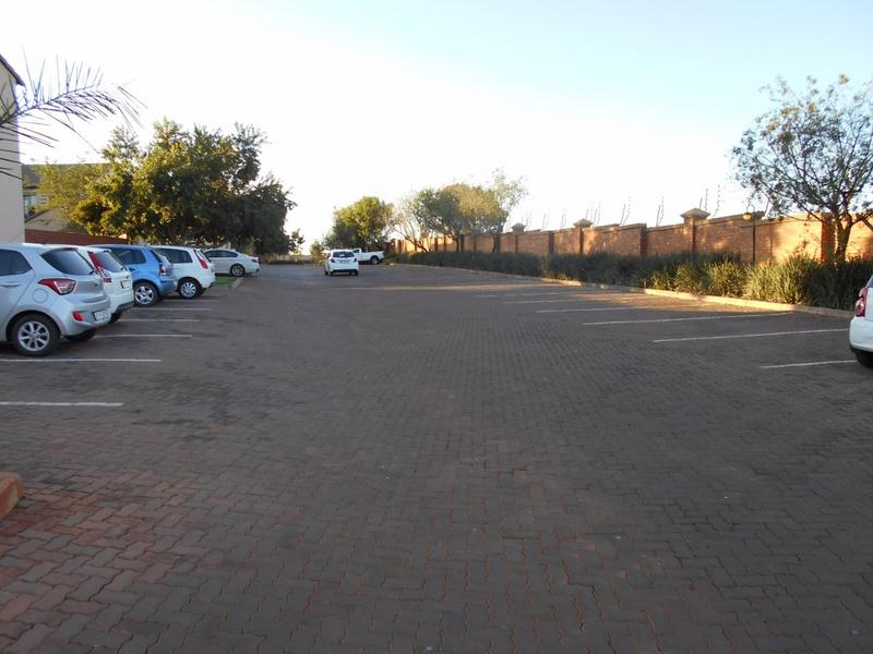Complex For Sale in Mooikloof, Pretoria