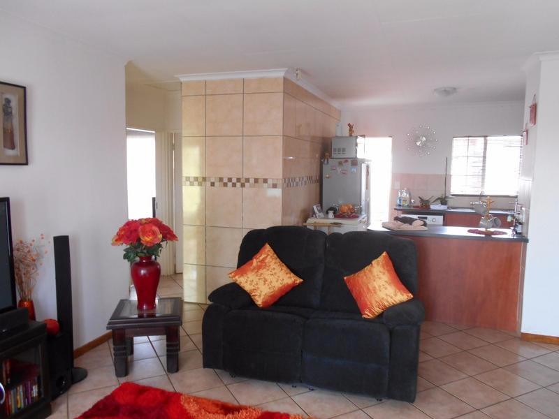 Simplex For Sale in Elarduspark, Pretoria