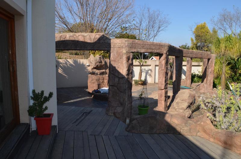 House For Sale in Waterkloof Ridge, Pretoria