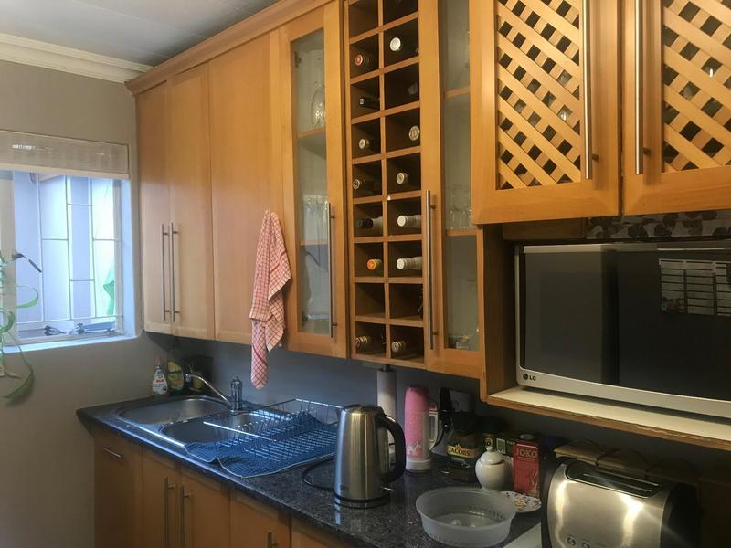 Duplex For Sale in Lynnwood Glen, Pretoria