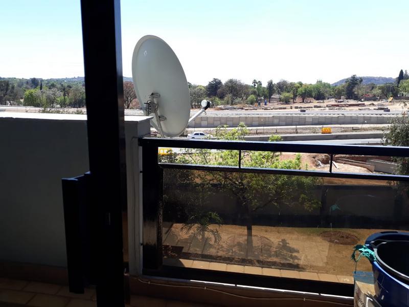 Apartment / Flat For Sale in Menlyn, Pretoria