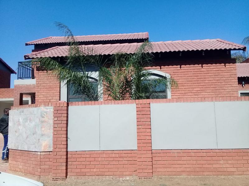 House For Sale in Equestria, Pretoria