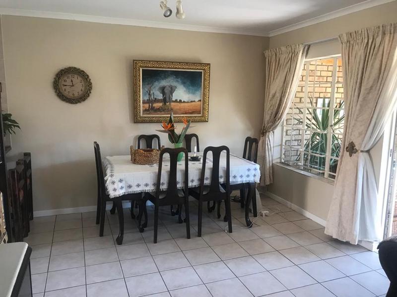 Townhouse For Sale in Faerie Glen, Pretoria