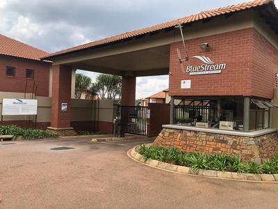Townhouse For Sale in Pretoriuspark, Pretoria