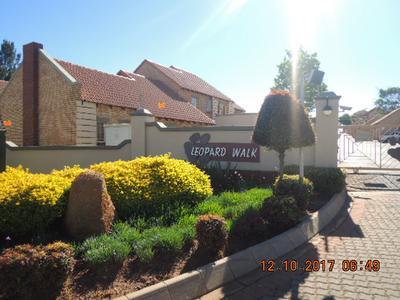 Townhouse For Sale in Mooikloof Ridge Estate, Pretoria