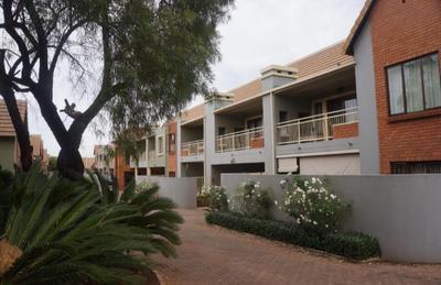 Townhouse For Sale in Olympus, Pretoria