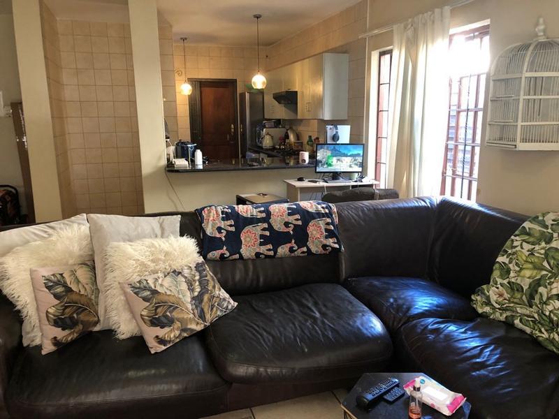 Duplex For Sale in Equestria, Pretoria